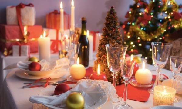 Organisez une Réception de Noël Économique mais Mémorable