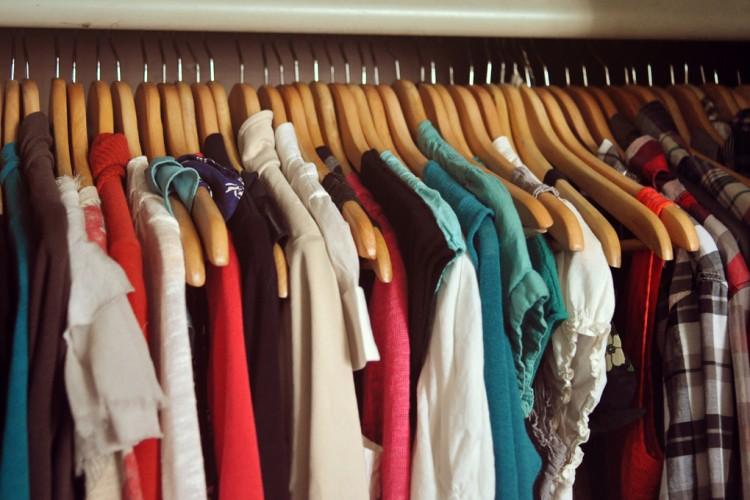 3 Façons Futées de Faire le Ménage dans vos Vêtements