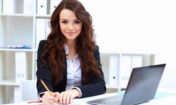 5 Exercices pour Dos Endolori par le Travail au Bureau