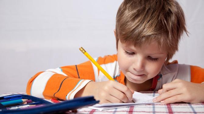 5 Trucs pour Aider son Enfant à Étudier