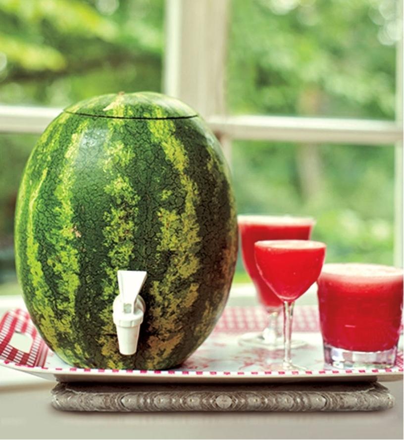 Transformer un Melon D'eau en Pichet à Robinet!