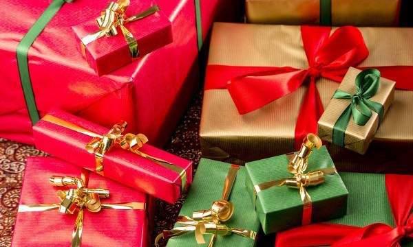6 Étapes: Organiser une Soirée Amusante de Père Noël Secret
