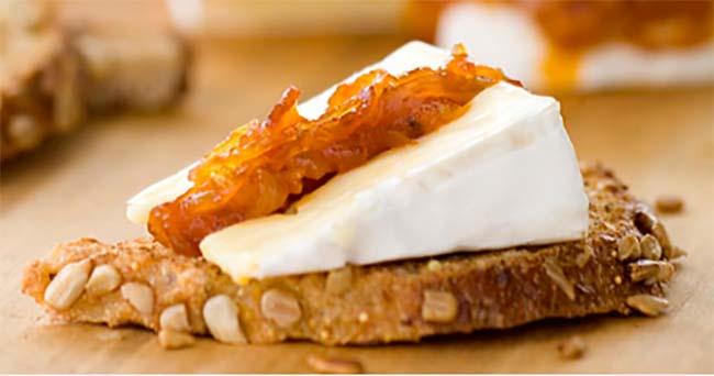 Brie au Bacon et aux Oignons