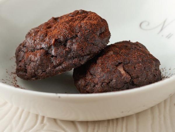 Brownie Cookie Macarons