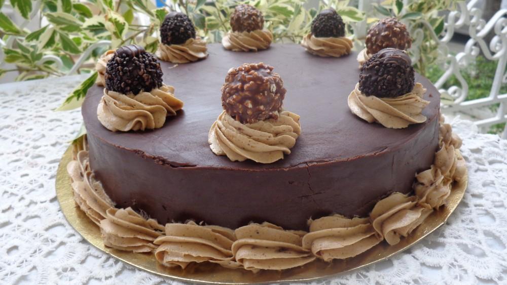 Gâteau Noisette Chocolat au Ferréro Rocher