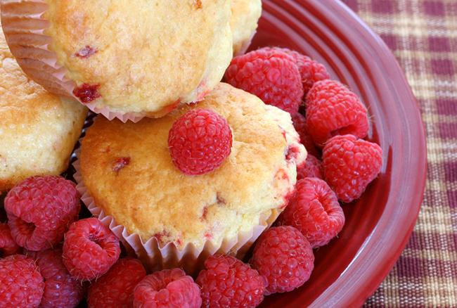 Muffins aux Framboises et à la Noix de Coco