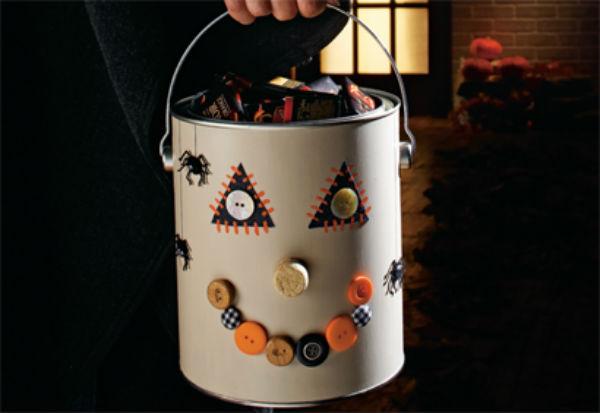 On Bricole un Seau à Bonbons d'Halloween