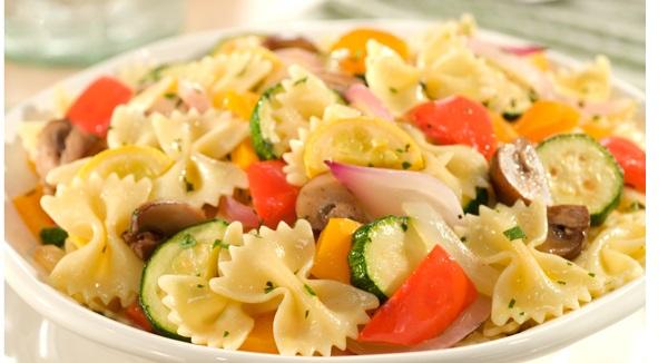 Pâtes et Légumes Rôtis aux Herbes
