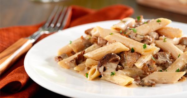 Penne Barilla avec Saucisse Italienne et Sauce à la Crème aux Champignons Porcini