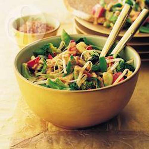Salade de brocoli à l'orientale