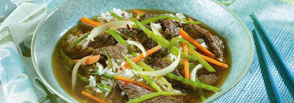 Soupe au Boeuf et aux Pois Mange-tout Épicée à L'asiatique