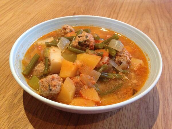 Soupe aux Légumes et aux Boulettes de Viande