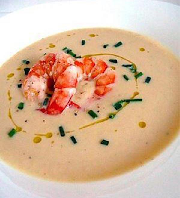 Soupe de Pois Chiches et sa Garniture de Crevettes
