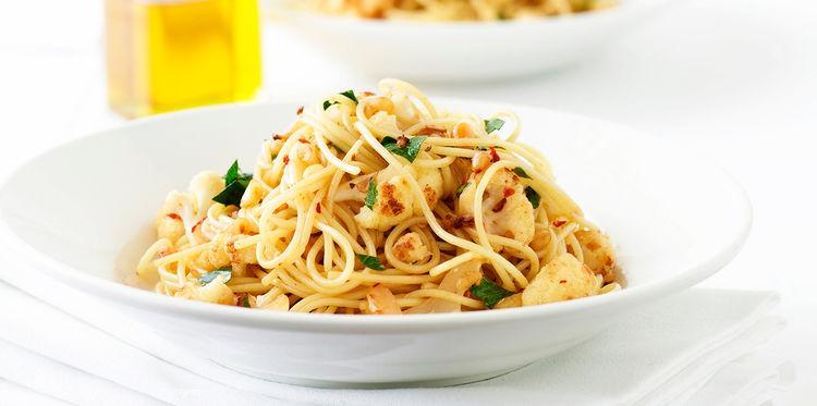 Spaghettis au Chou-Fleur Sauté et à L'ail