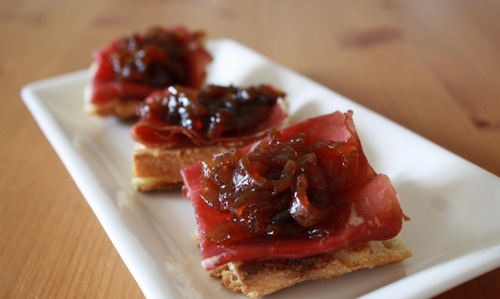 Photo Recette Toasts Viande des Grisons & Confit d'oignon