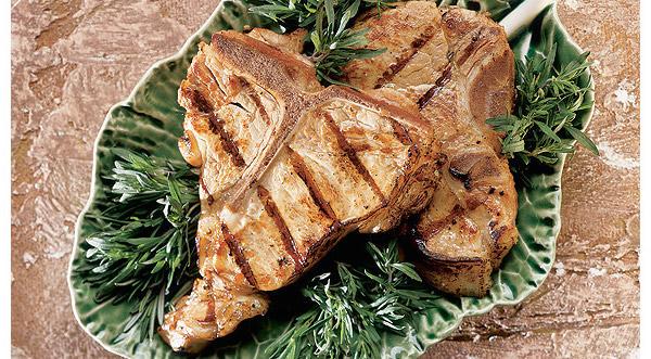 Biftecks D'aloyau (côtelettes de longe) de Veau de Grain du Québec Grillés au Thym Citronné