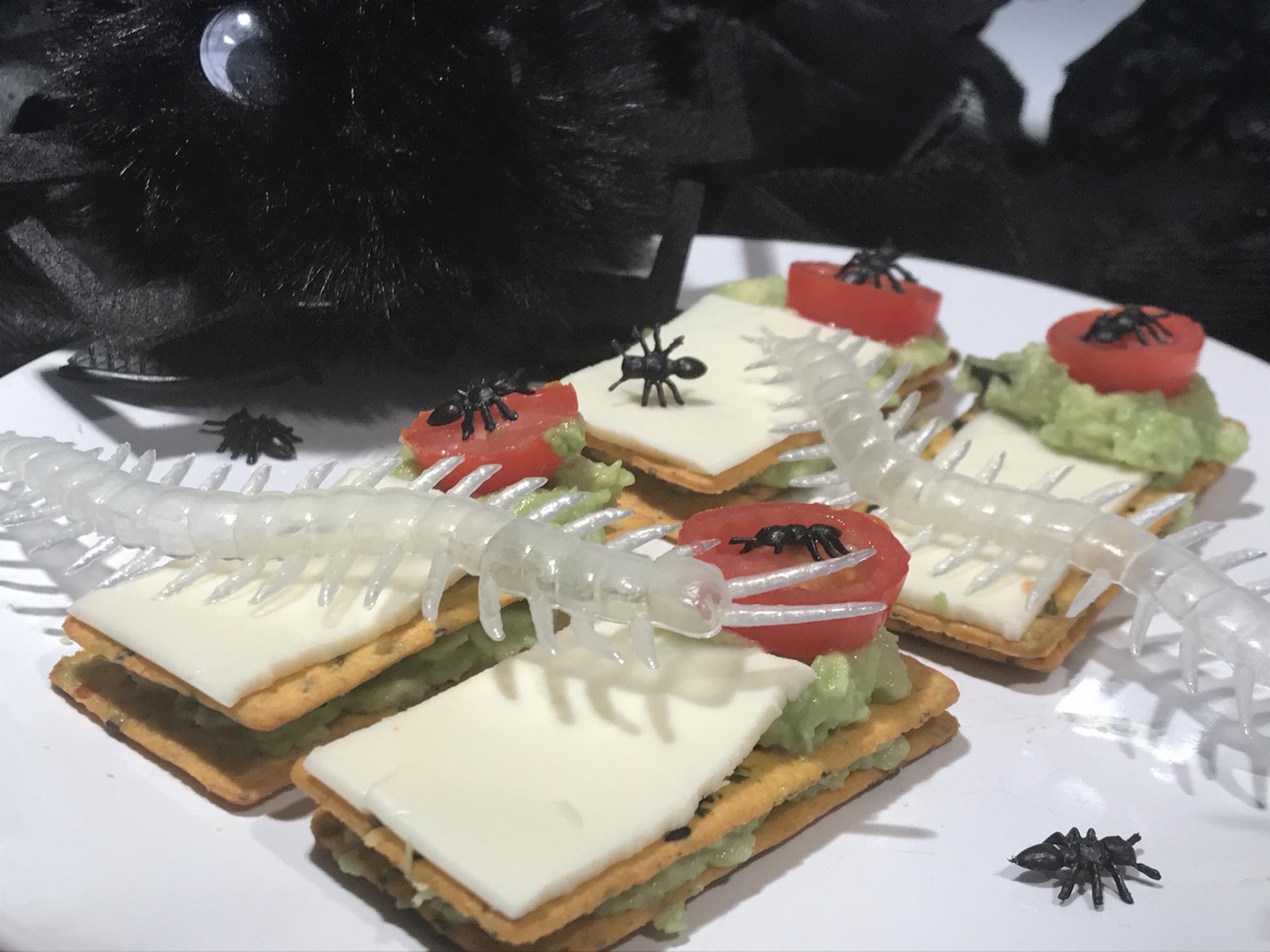 Photo Recette Biscottes à la Guacamole, Fromage et Araignées Pour L'halloween