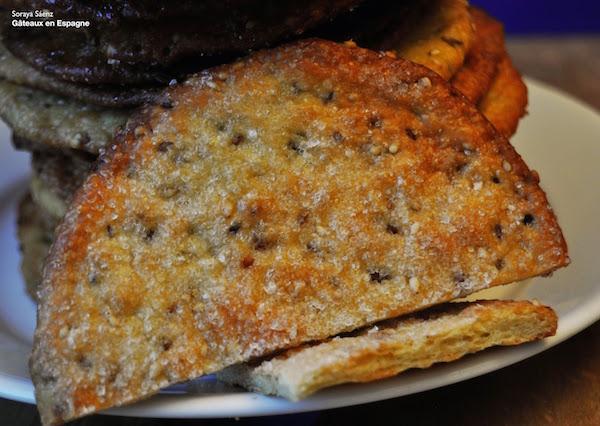 Biscuits Croustillants au Sésame et à L'anis Vert