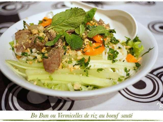 Bo Bun (Vermicelles de riz au boeuf sauté) ou Bò Bún