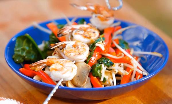 Brochettes de Crevettes et Sauté de Légumes sur le BBQ