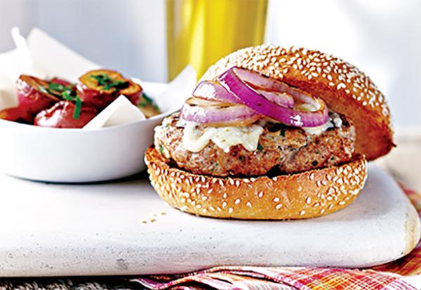 Hamburgers au Porc et à l'oignon Rouge Grillé