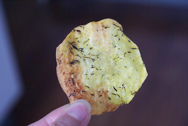 Photo Recette Chips Géantes au Thym & Huile D'olives {sans gluten, sans lactose}