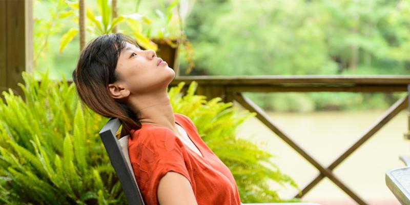 Comment Calmer votre Esprit Quand vous Êtes dans un État D'anxiété Intense