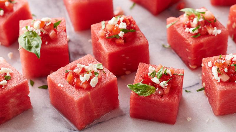 Coupes de Melon D'eau aux Fraises et au Basilic