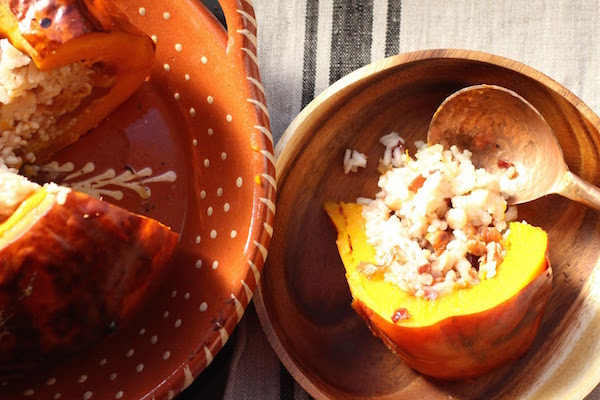 Courge (potimarron) Farcie au Riz et Fruits Secs: Ghapama (Arménie)