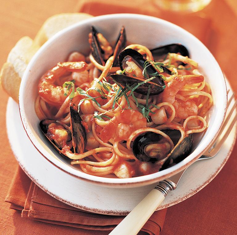 Photo Recette Crevettes, Moules et Pétoncles dans une Sauce Tomate