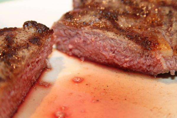Cuire un Steak Parfaitement sur le BBQ