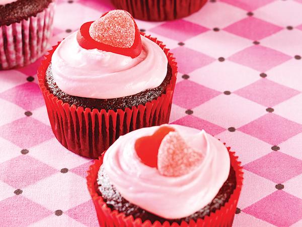 Cupcakes au Chocolat avec Glaçage aux Framboises