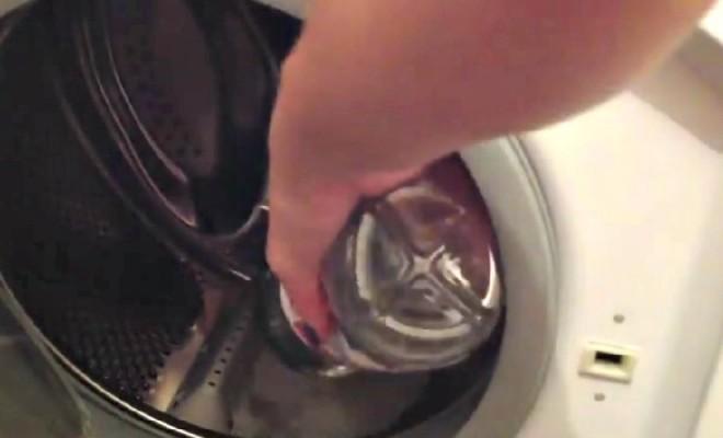 Dans Votre Machine à Laver, Mettez Du Vinaigre Et Du Sel…