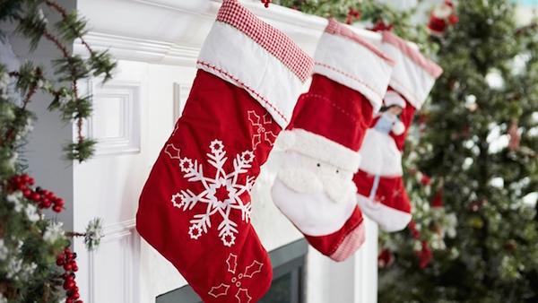 Des Idées pour Remplir les Bas de Noël de toute la Famille