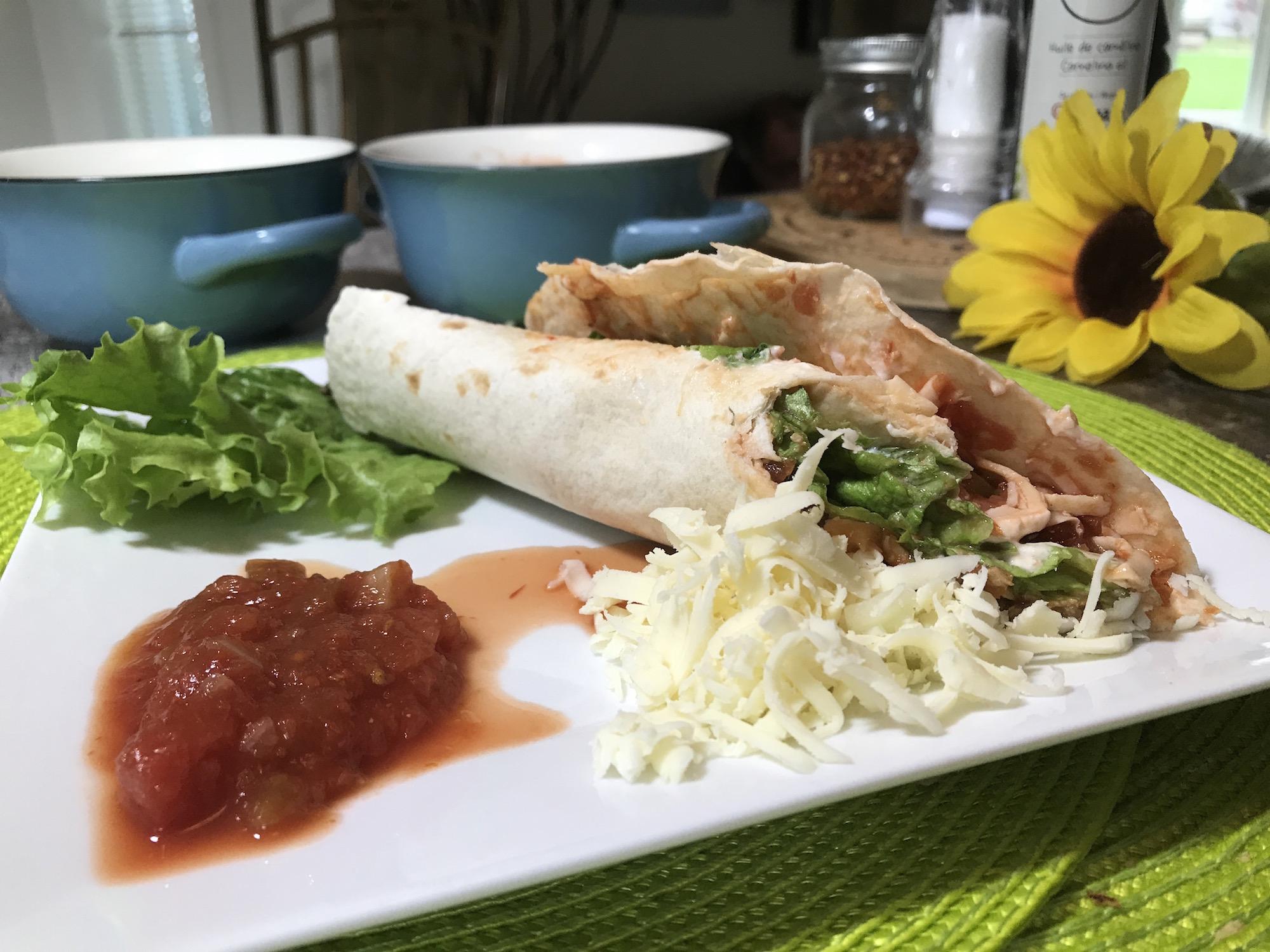 Fajitas au Poulet et Légumes Sautés