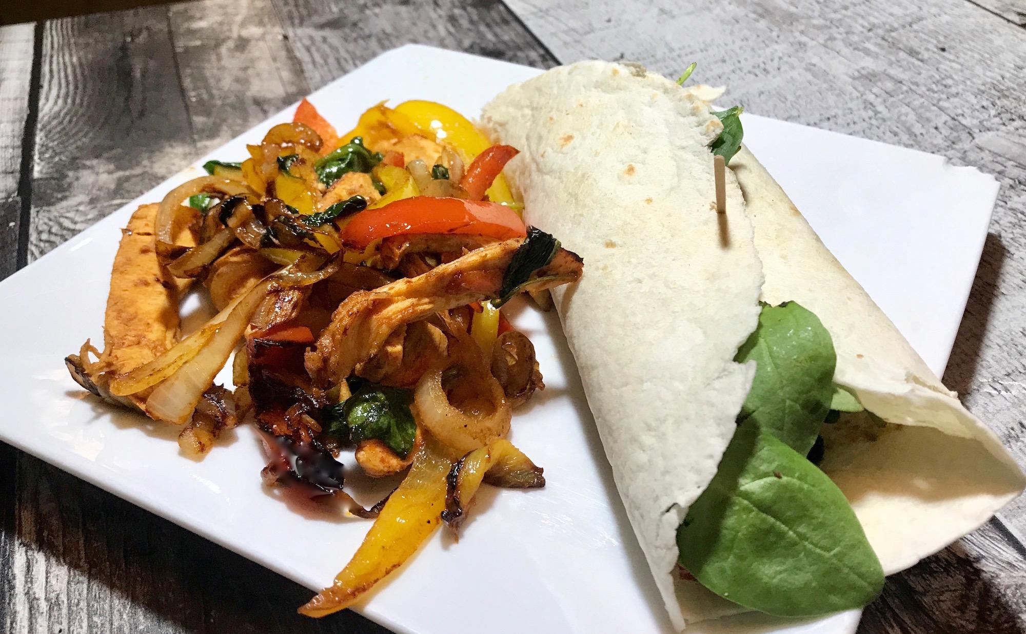 Photo Recette Fajitas Poulet Légumes dans sauce BBQ et Shiracha
