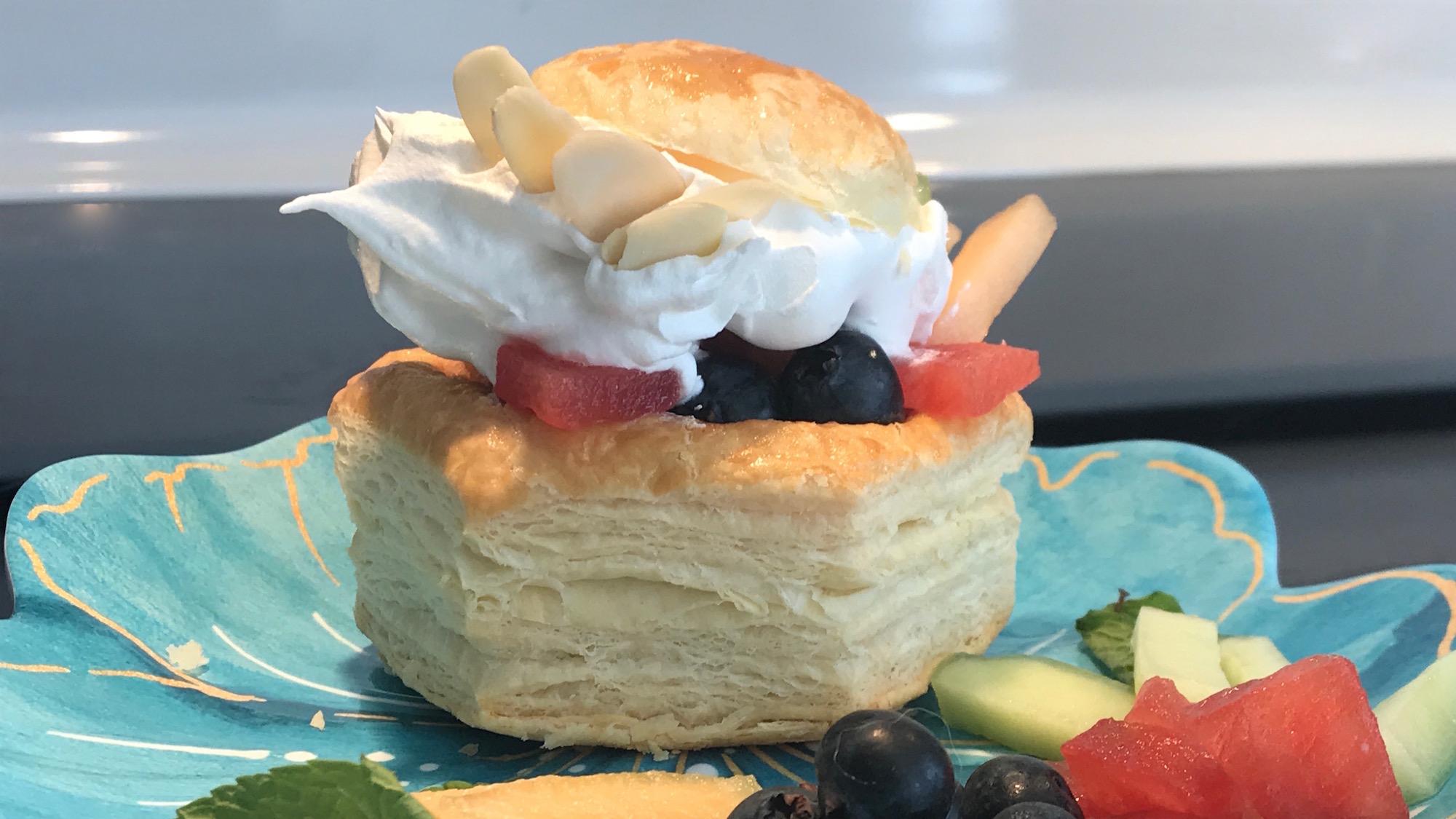 Photo Recette Feuilleté de Fruits et Crème Fouettée
