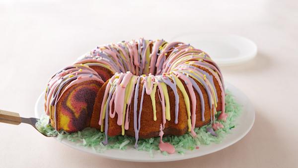Gâteau Corbeille de Pâques Arc-en-Ciel