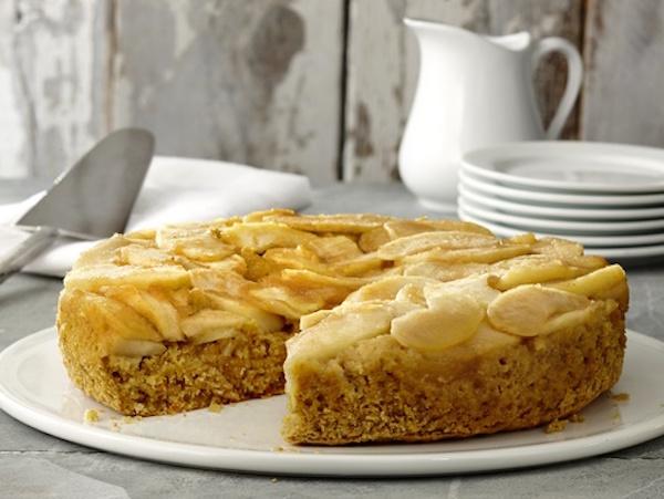 Gâteau Renversé aux Pommes et au Maïs