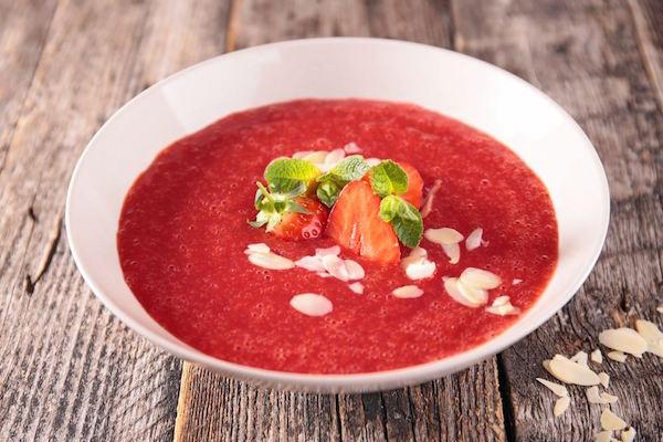 Gaspacho de Tomates, Fraises et Framboises à la Menthe