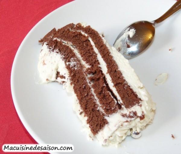 Gâteau Roulé Vertical au Chocolat Crème Mascarpone à la Vanille