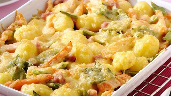 Gratin de Légumes Mélangés Carottes Haricots Vertes Petites Pommes de terre et Jambon