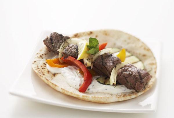 Kebabs D'agneau Grillés et leur Sauce à la Menthe