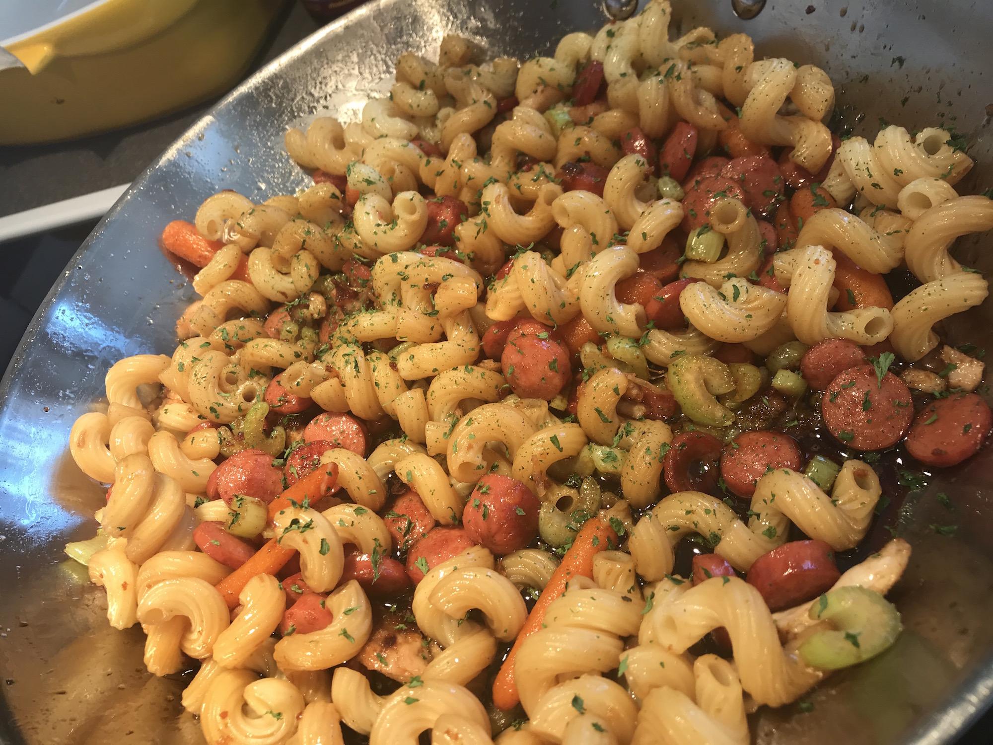 Macaroni Saucisses et Légumes