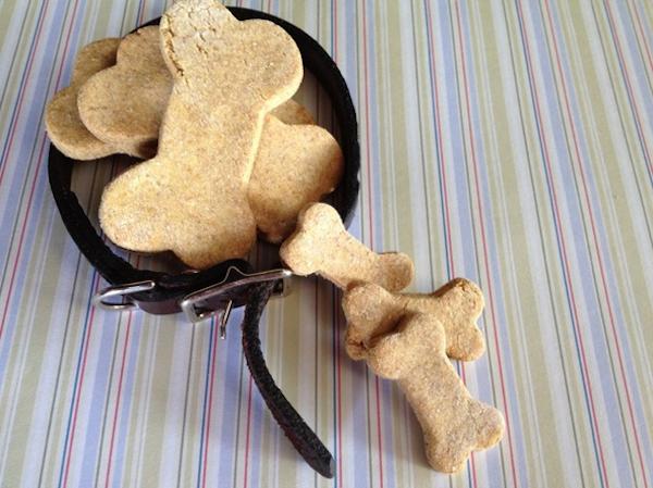 Biscuits pour chien Maison