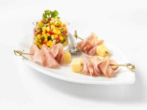 Mini Brochettes de Jambon et Fromage avec Salsa aux Fruits