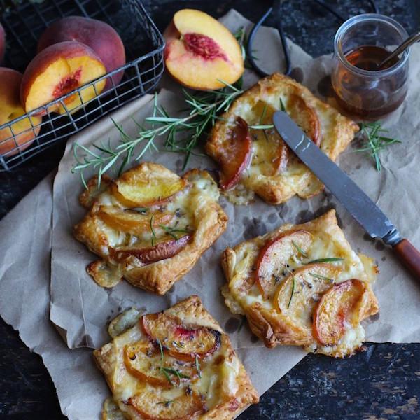 Minifeuilletés aux Nectarines et au Brie