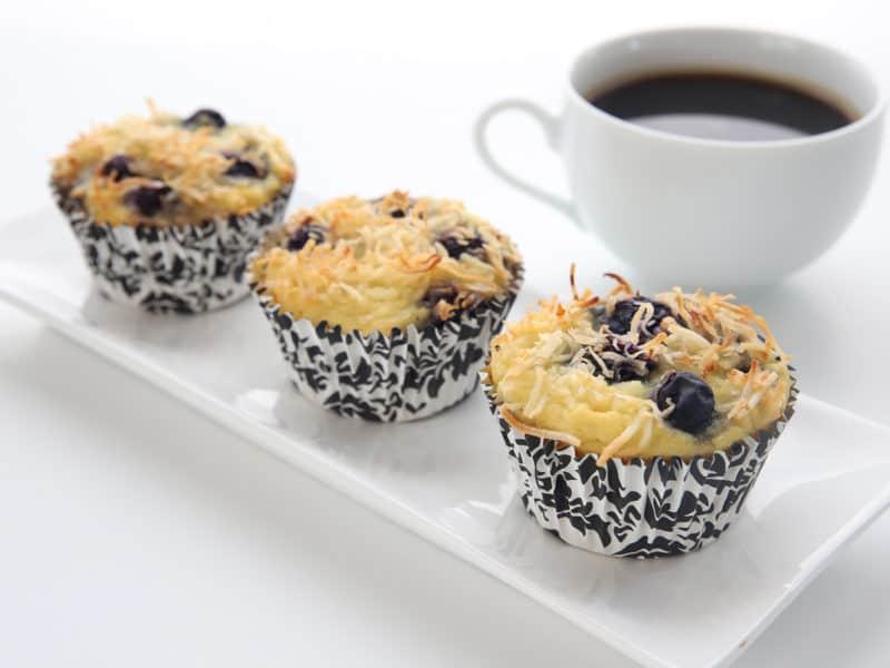 recette muffins la noix de coco et aux bleuets faible. Black Bedroom Furniture Sets. Home Design Ideas