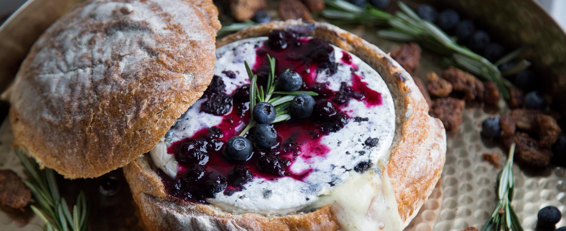 Photo Recette Pain Farci au Dindon, Brie et Bleuets