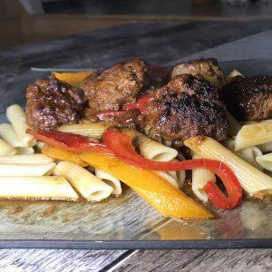 Pennes Boulettes et Légumes Sauce Soya 1